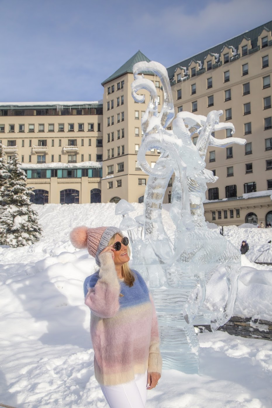 ice sculptures lake louise